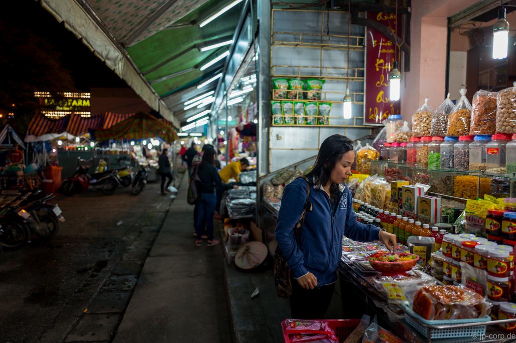 Dalat Vietnam night market